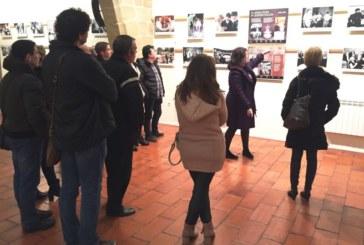 Ainhoa Aznárez presenta en Viana la exposición 'Imágenes para un Parlamento'