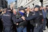 Miles de jubilados cortan el acceso al Congreso para reclamar pensiones dignas
