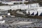 El choque de dos camiones provoca un pequeño incendio en la Volkswagen de Pamplona
