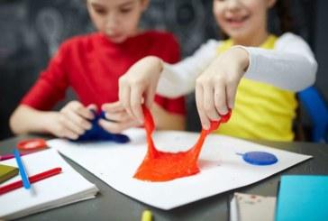 Explicar historias con gestos rítmicos mejora la habilidad oral de los niños