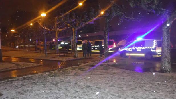 Desalojados por un incendio en un felpudo varios pisos de Bardenas Reales 3