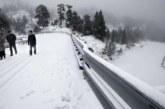 La nieve cierra dos puertos en Navarra y obliga a circular con cadenas en otros tres
