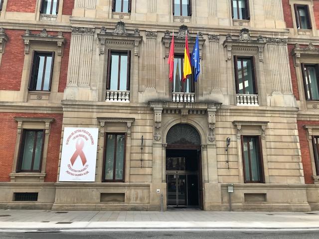 """El Parlamento de Navarra se suma al """"apagón contra el cambio climático"""""""