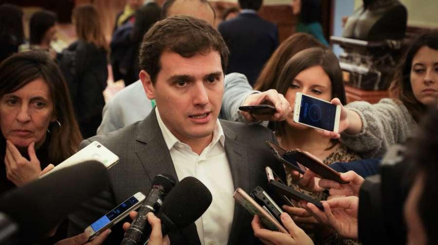 Rivera carga contra el PSOE por acusar a las víctimas de actuar con «venganza»