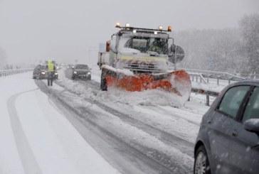 El temporal se cobra una desaparecida y provoca cortes en nueve carreteras