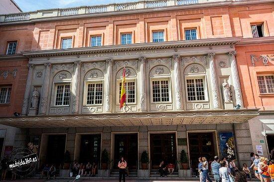 Más de 700 firmas de importantes personalidades en defensa de la Zarzuela