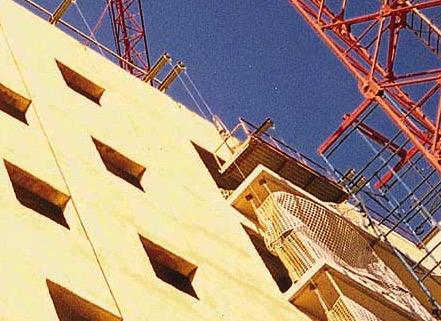 El 64% de los navarros desconoce las ayudas para rehabilitar viviendas, según Irache