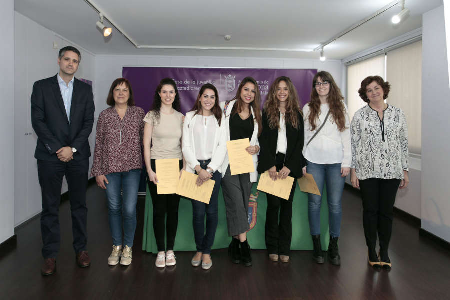 Siete estudiantes de la Universidad de Navarra reconocidas por su labor en el Ayuntamiento pamplonéss