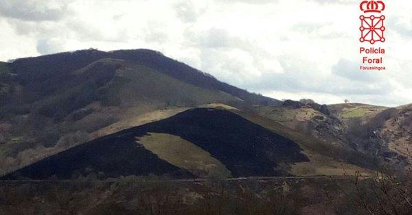 Policía Foral investiga un incendio intencionado en el monte Autrin (Arizkun)