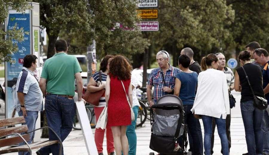 La población inscrita en Navarra crece un 0,6% y llega a 647.219 personas