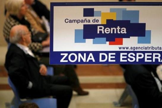 Explosión causa daños en Agencia Tributaria Estado en Pamplona, sin heridos