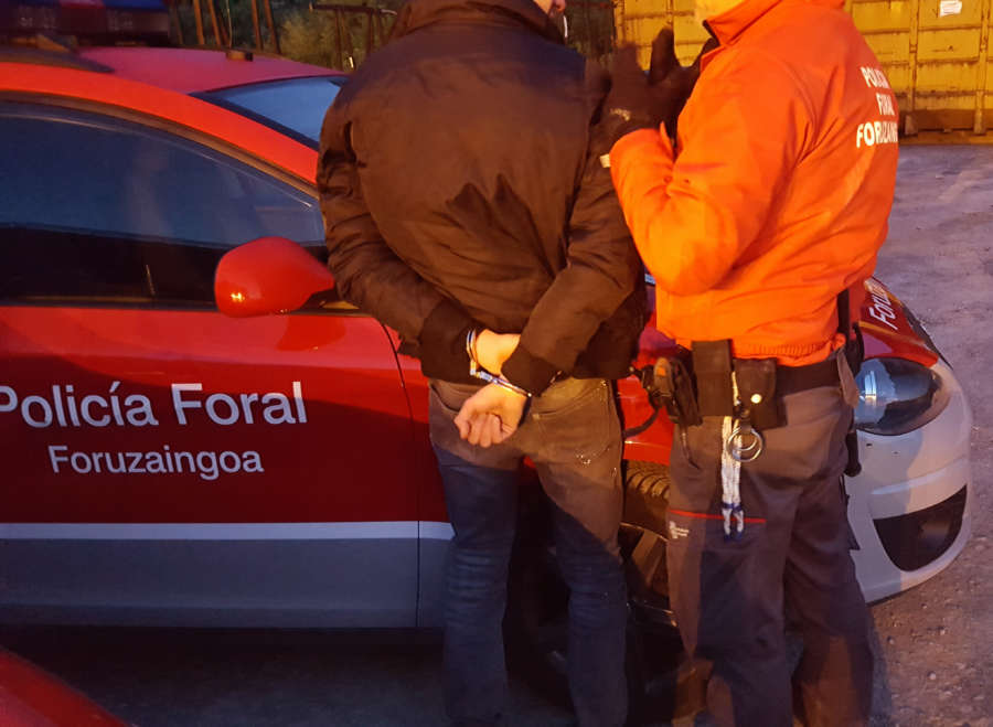 Cuatro detenidos por requisitorias judiciales, uno con ingreso en prisión