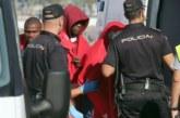 Casi 300 inmigrantes rescatados en aguas del Estrecho