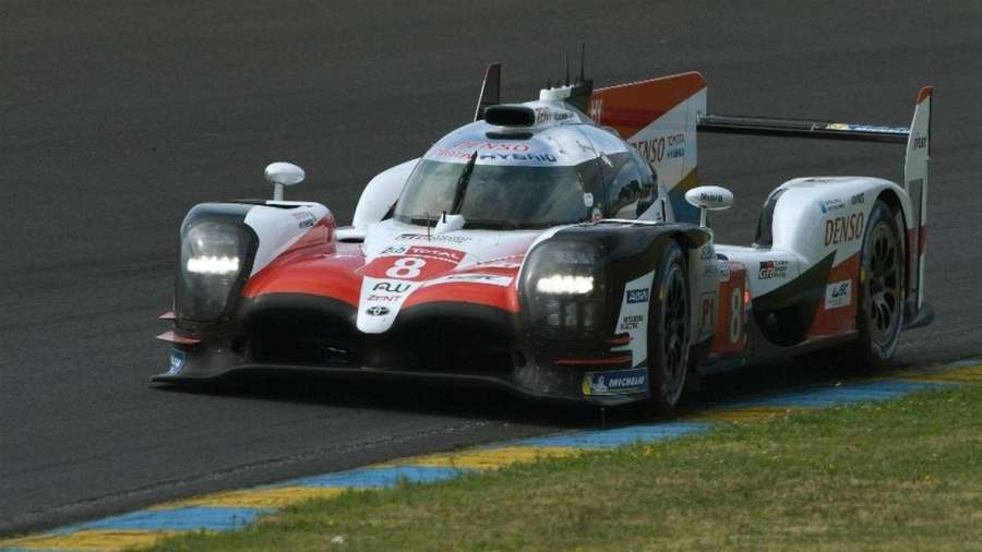 Fernando Alonso gana las 24 horas de Le Mans con el equipo Toyota