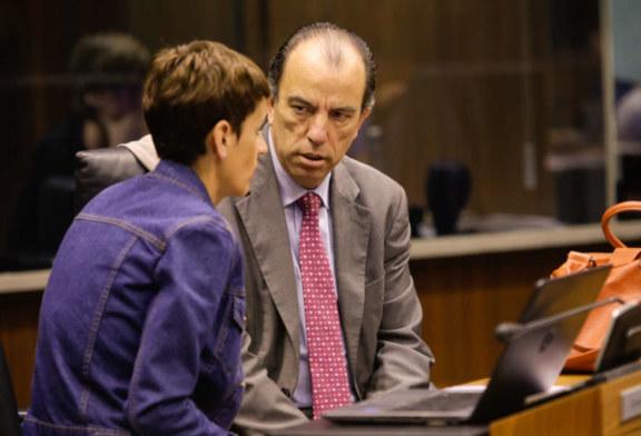 El Parlamento de Navarra rechaza que funcionarios con euskera preceptivo cubran cualquier vacante