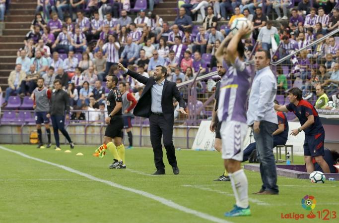 Diego Martínez: «Hay que dar las gracias a los jugadores por el esfuerzo y a la afición, que nos ha apoyado hasta el final»
