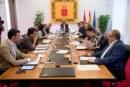 El Parlamento foral rechaza los ataques a sedes de partidos y símbolos