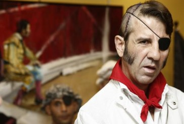 Padilla, homenajeado por la afición antes de su último paseíllo en Pamplona