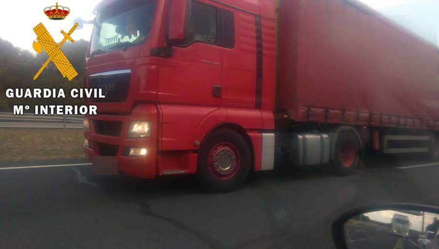 Localizado el camionero moldavo que circuló en dirección contraria en la AP-15 en Navarra