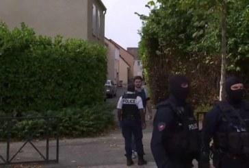 Dos muertos por un ataque con un cuchillo en una ciudad cerca de París