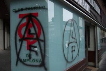 Desconocidos atacan la sede del Club Taurino de Pamplona