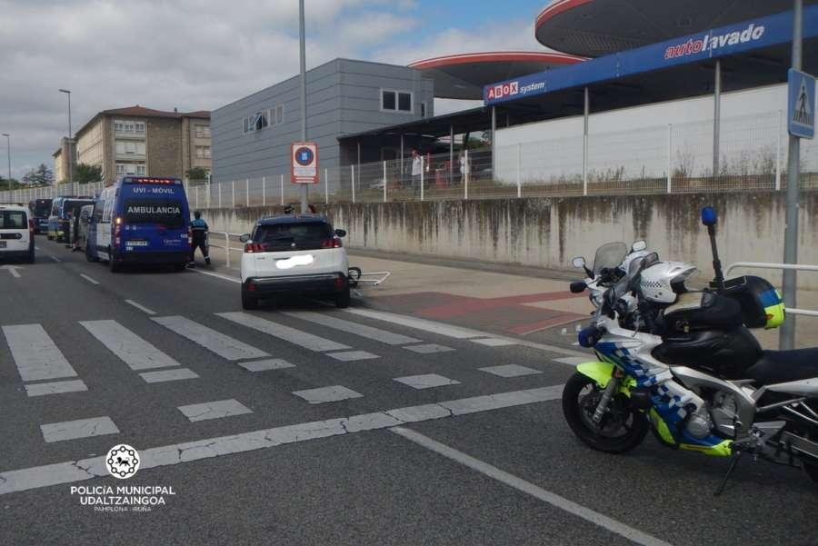 Una mujer herida en un accidente de tráfico en la calle Monjardín de Pamplona