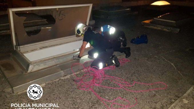 Herido un adolescente al caer por una claraboya en Pamplona
