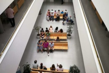 Indurain asegura recursos económicos y humanos para reducir listas de espera