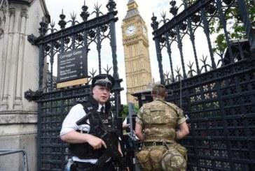 La policía confirma que el atropello ante el Parlamento británico es atentado terrorista
