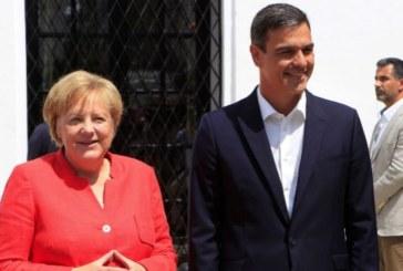 Sánchez y Merkel piden a la UE dar más recursos a Marruecos para el control de las fronteras