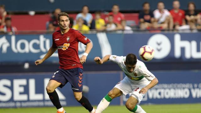 1-1: Un Elche peleón frustra el estreno de Osasuna en El Sadar