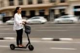 Un peatón y un usuario de patinete eléctrico heridos en Pamplona