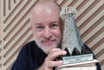 Un profesor de la UPNA recibe el Premio Tesla de divulgación científica otorgado por la plataforma Naukas