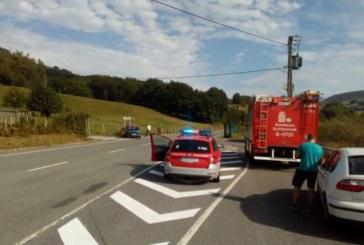 Una mujer herida en un accidente de tráfico en el cruce de Urrasun