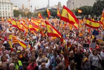 Cientos de miles de personas defienden en Barcelona la unidad de España y la «prisión» por el 1-O