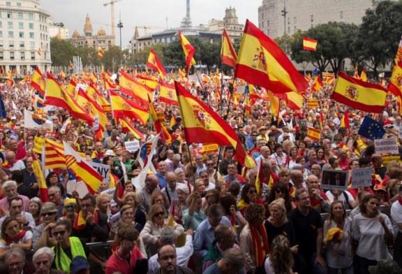 """Cientos de miles de personas defienden en Barcelona la unidad de España y la """"prisión"""" por el 1-O"""