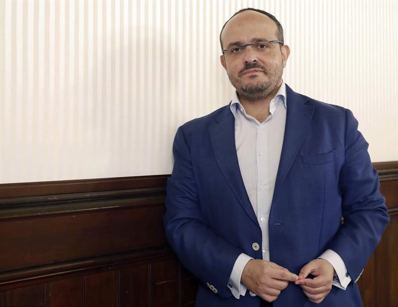 Fernández planea un «rearme ideológico» del PPC y aboga por reunificar la derecha