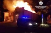 Incendio de grandes dimensiones en una harinera abandonada en Pamplona