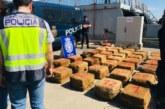 La Policía Nacional intercepta una embarcación con 1.400 kilos de cocaína cerca de Canarias