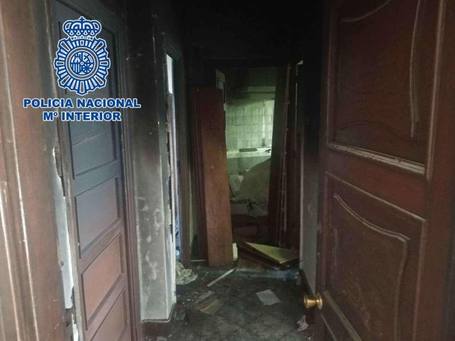 La Policía Nacional desarticula en La Coruña una red de trata que obligaba a sus víctimas a mendigar y actuar como mimos
