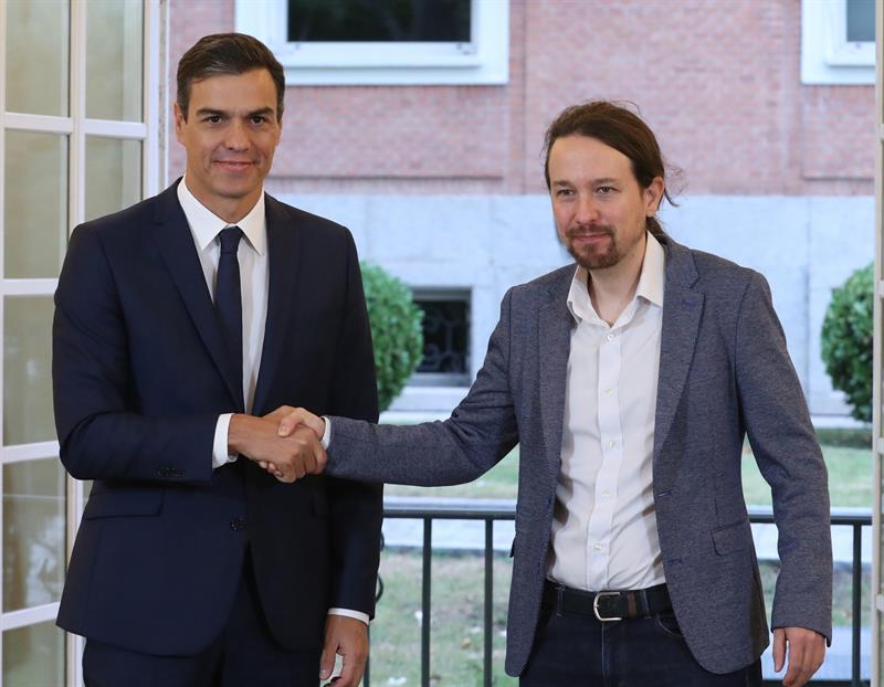 Sánchez anuncia medidas legales por la resolución del Parlamento de Cataluña contra el rey