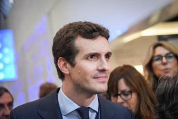 Casado dice al PSOE que no acepta lecciones y que no frenará el cambio en Andalucía