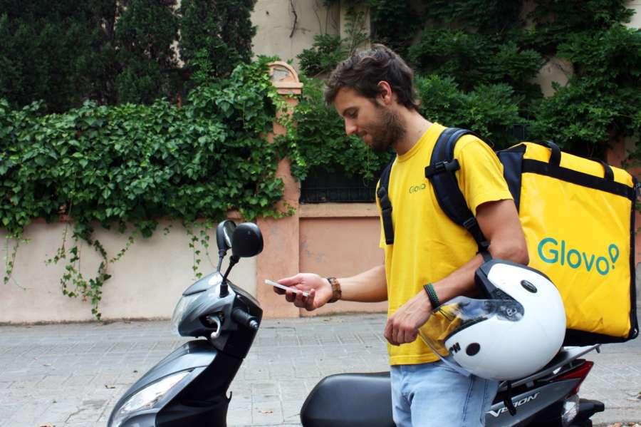 Llega a Pamplona Glovo, una App de mensajería exprés