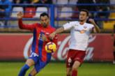 Osasuna remonta con diez un 2-0 adverso en el Francisco de la Hera