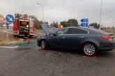 Conductora herida en un accidente entre un camión y un turismo en Tudela