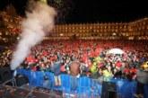 20.000 Jóvenes despiden el año estudiantil desde la Plaza Mayor de Salamanca