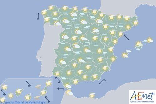 Hoy en España niebla en ambas mesetas e intervalos fuertes de viento y calima en Canarias