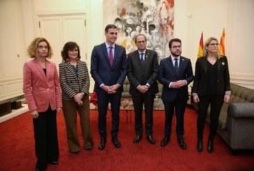 Torra entregó a Sánchez una propuesta de 21 puntos que plantea una mediación internacional