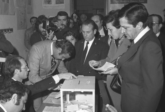 España vota por la democracia