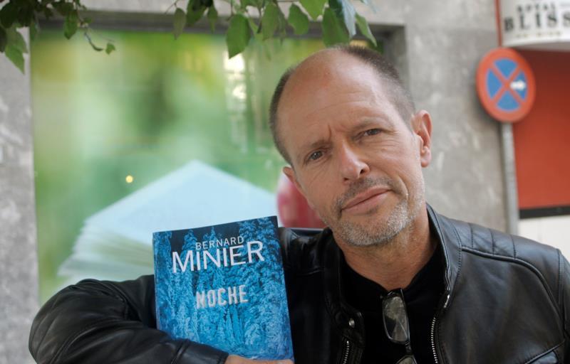 Bernard Minier: La novela cuestiona el mundo y deja las respuestas al lector